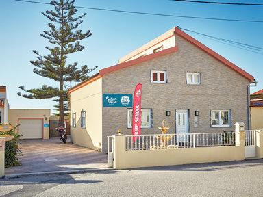 Surf House Helena €25
