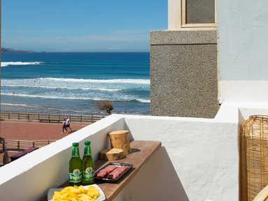 Avocado Surf Hostel - 20 meters to the surfspot! €24