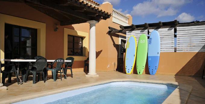 Surf House LAOLA 30€