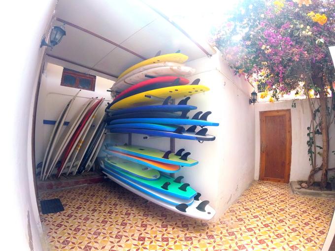 Sunset Surf House 12€