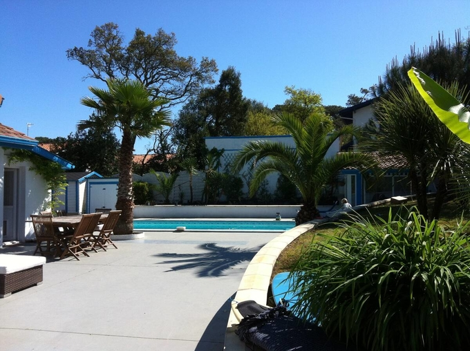 Private room in: guest house at 2km beach €60